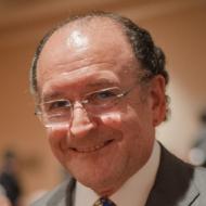 Dr. Raúl Caffesse